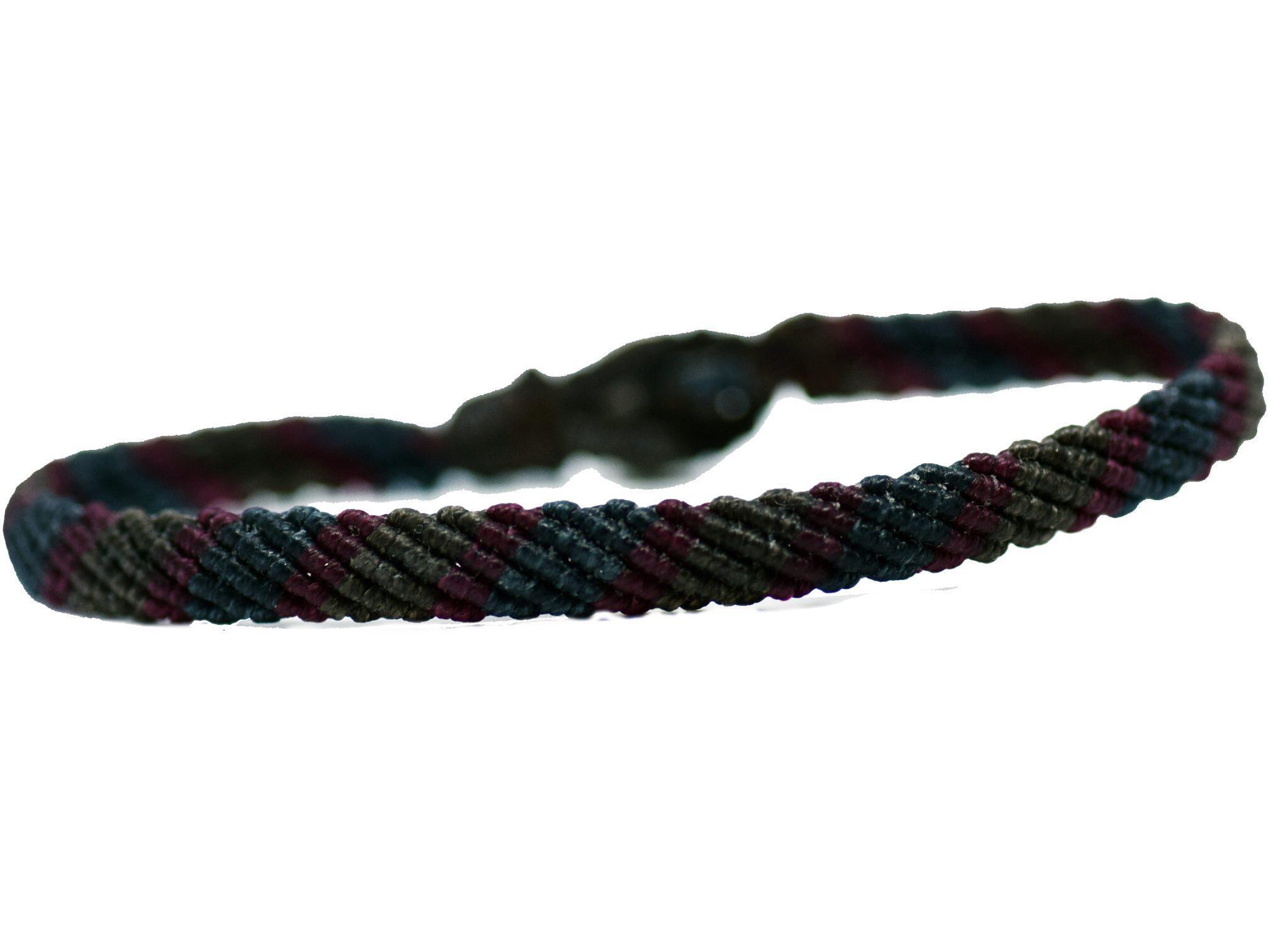 Βραχιόλι macrame 8mm με ρίγες τρίχρωμο καφέ-γκρενά-μπλε (μπροστά όψη)
