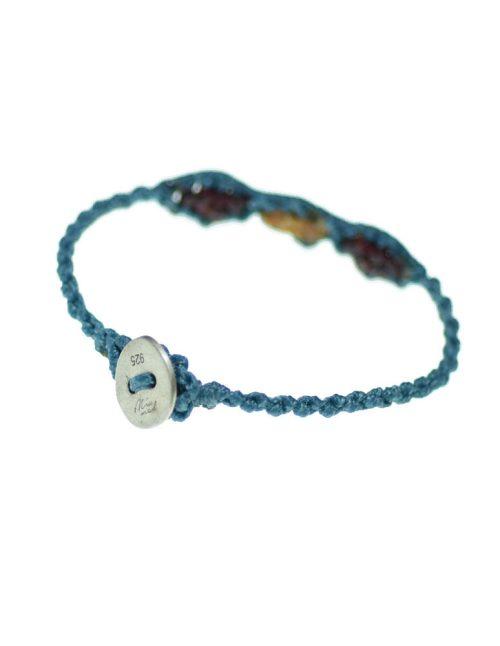 Παιδικό βραχιόλι macrame με πλεκτή μπλε αλυσίδα και χρωματιστές ανταύγειες