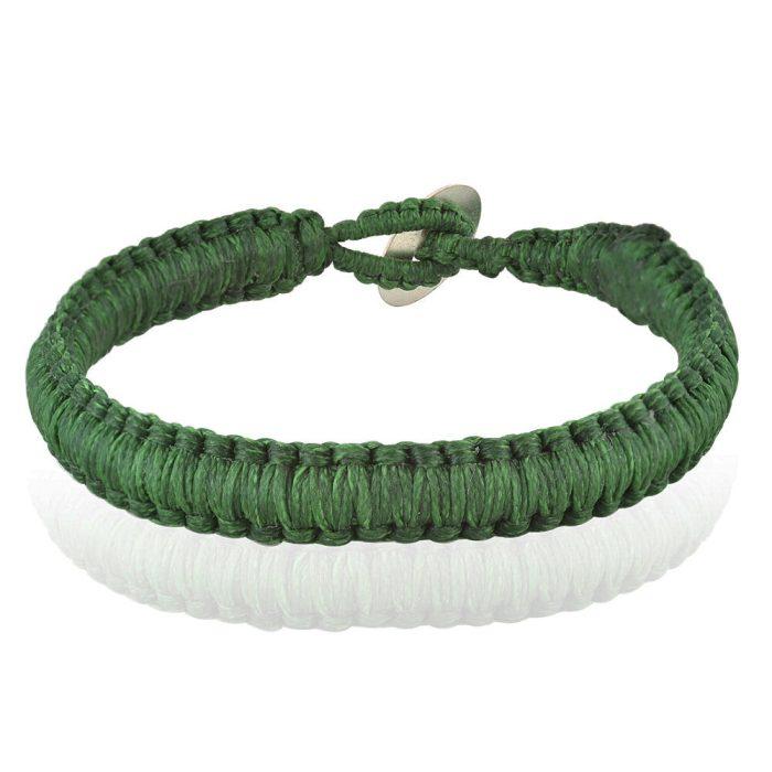 Βραχιόλι macrame 10mm σε έντονο πράσινο χρώμα με τετράγωνη πλέξη.